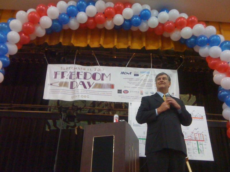 Mayor Mike Rawlings addressed more than 500 volunteers at Sarah Zumwalt Middle School on Tuesday.