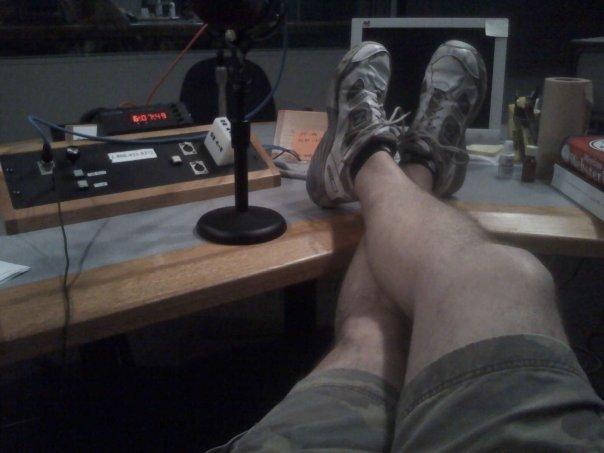 Bruce Gunn sans pants before a recent traffic report.