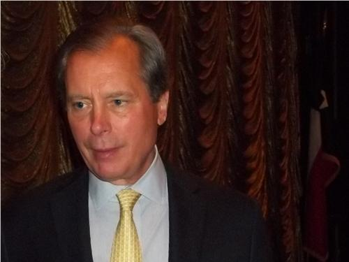 Lt. Gov. David Dewhurst speaks at the Dallas Regional Chamber on Thursday.