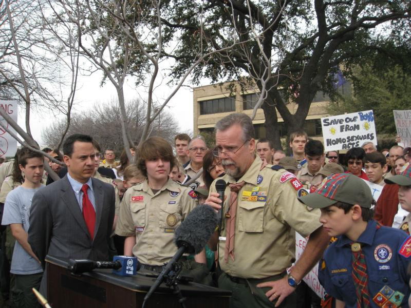G.W. Bell, Keller Cub Scout Pack 88 leader, addressing supporters about his wish to leave Scout gay ban in place.