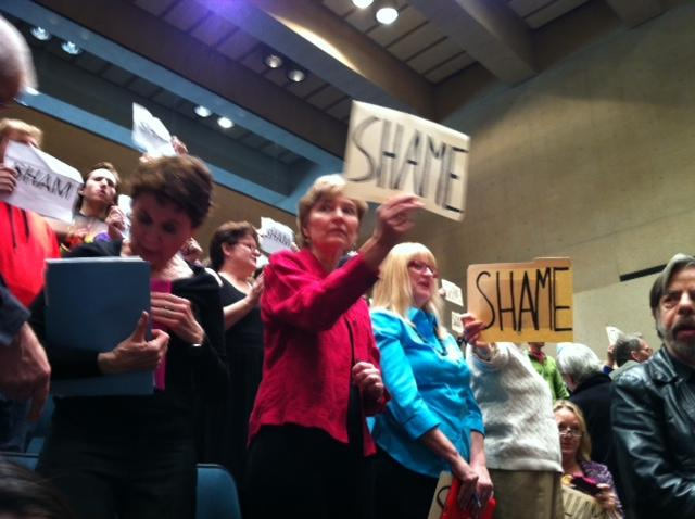 The vote by the City Plan Commission to take a second vote on gas drilling permits angered many in the audience.