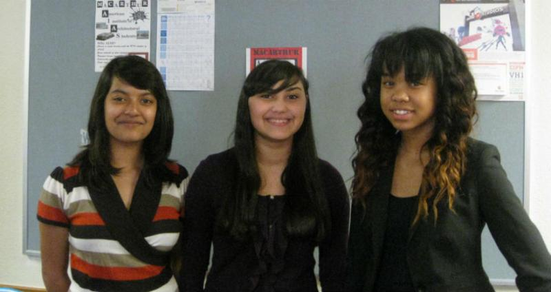 """Bizbib"" student team of Lamisa Abedin (l), Alisha Bakahn, Kimberly Collins, all enrolled in summer bizcamp at Irving's MacArthur High"