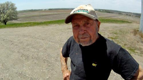Bob Hawthorne, 84, still actively farms 2,000 acres in Castana, Iowa.