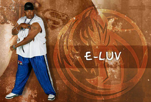 Erbie Bowser as a member of the Mavs ManiAACs in 2009,  in a photo from his Facebook page.