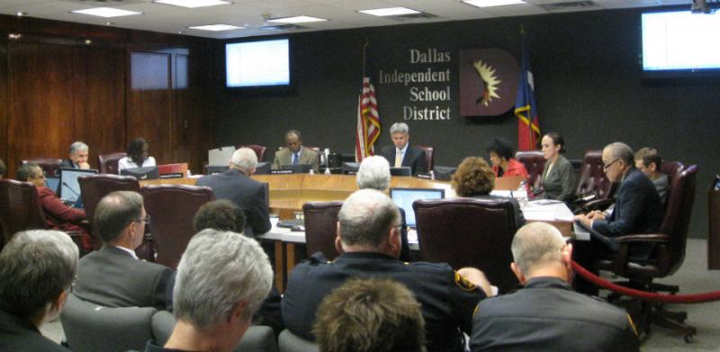 Dallas School Board and Superintendent Miles (extreme rt) in civil,strictly-business briefing