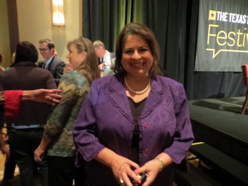 State Sen. Leticia Van de Putte would be able to keep her senate seat during a bid for lieutenant govenor.