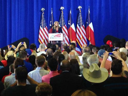 Wendy Davis addressed hundreds of boisterous supporters in Haltom City.
