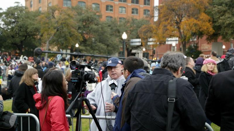 Nearly 1,000 media members were expected to be on hand to cover the ceremony.