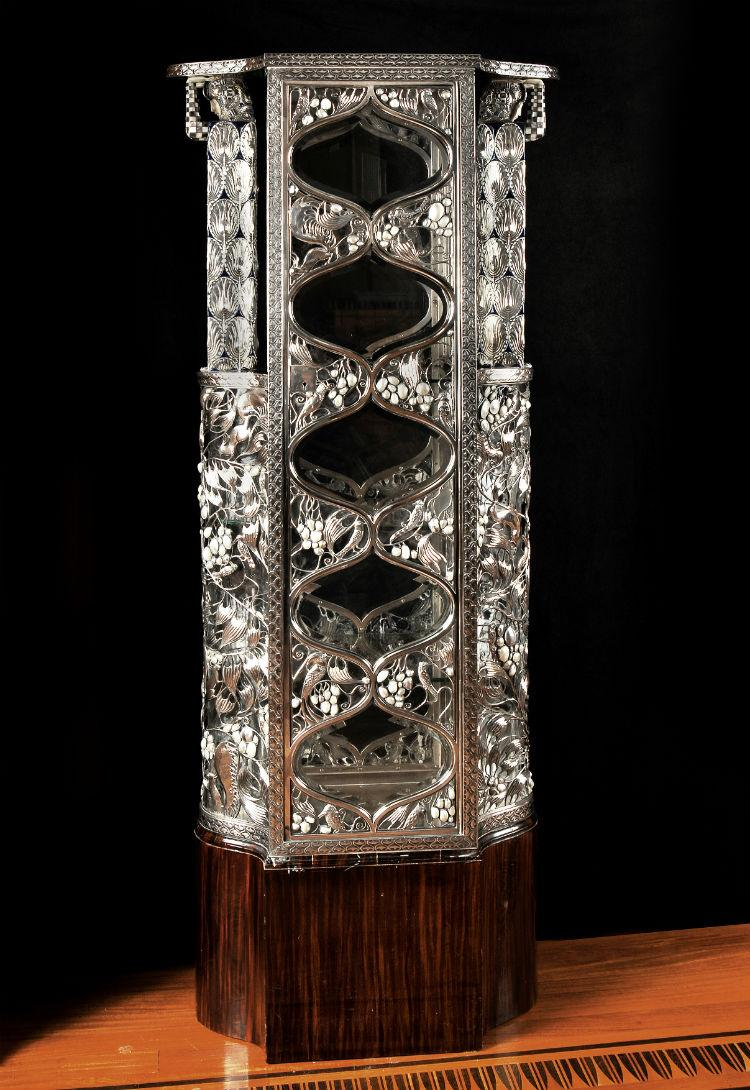The Dallas Museum of Art has acquired this silver vitrine.