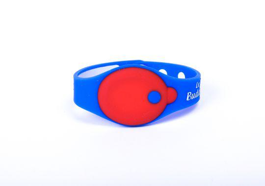 BuddyTag is a child safety device that helps parents track their child when out and about.