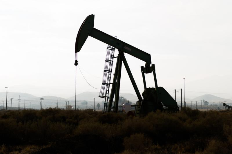 The Denton City Council on Tuesday voted to impose a temporary ban on hydraulic fracturing until September.