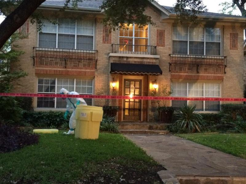 On Sunday evening, workers decontaminated the apartment of the health care worker who tested positive for Ebola.