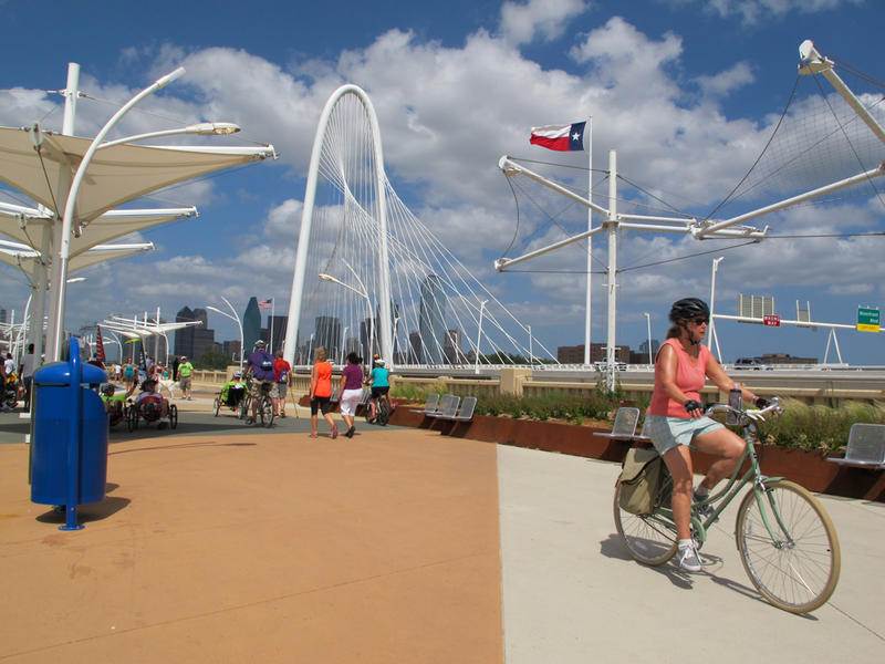 The Continental Bridge in Dallas leads to the Trinity Skyline Trail.