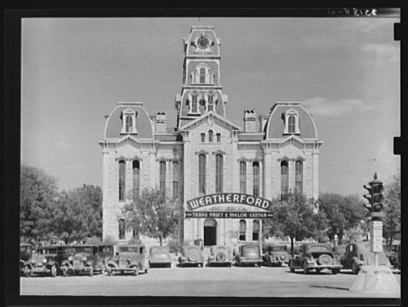 The courthouse in Weatherford in 1939.