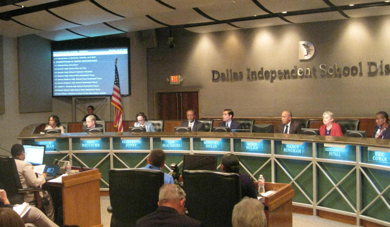Dallas school board meeting where board members tried and failed to get a meeting scheduled to discuss the future of the superintendent. Within days, 3 trustees sued their president and won.