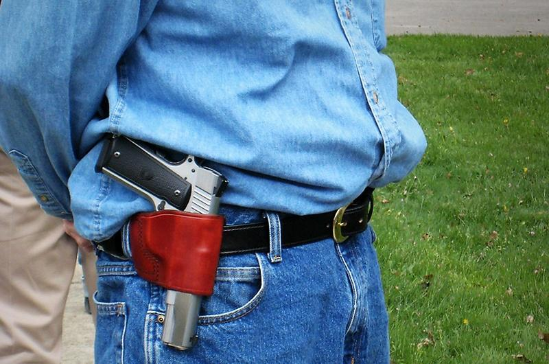 The Texas House gave final approval Monday to legislation allowing gun owners with concealed weapons licenses to carry their side arms openly.