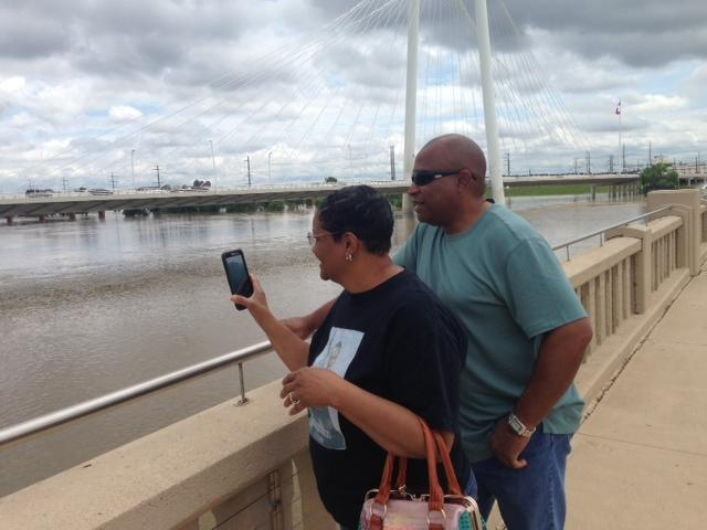 Capturing the Trinity River from the Continental Bridge.