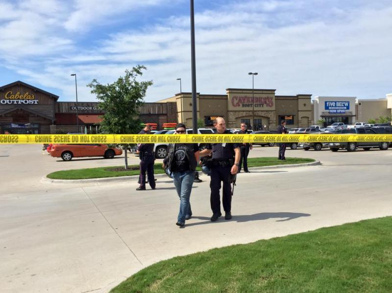 Waco police say nine people were killed Sunday afternoon after a shootout involving rival biker gangs.