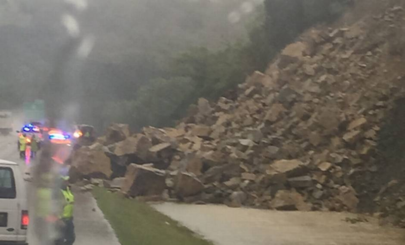 Rockslide that closed a portion of I-35 between Ardmore and Davis in Oklahoma Thursday.