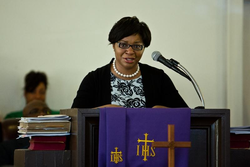 Sharon Cooper speaks at the memorial for her sister, Sandra Bland, at Hope AME Church in Prairie View, Texas, on Sunday.
