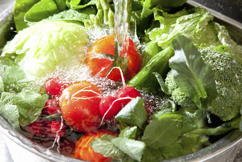 Washing your produce is a good way to avoid contact with cyclospora.
