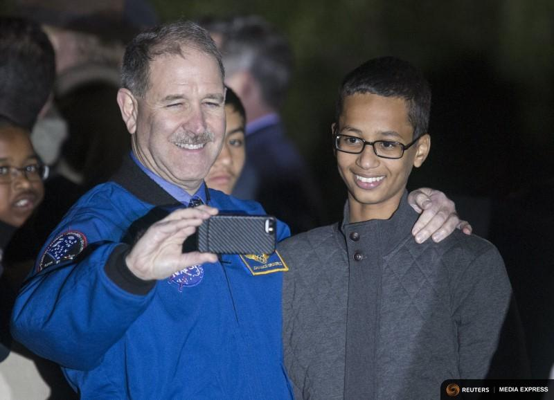 John M. Grunsfeld, associate administrator for the Science Mission Doctorate, posed for a selfie with Ahmed Mohamed of Irving on the South Lawn of the White House.