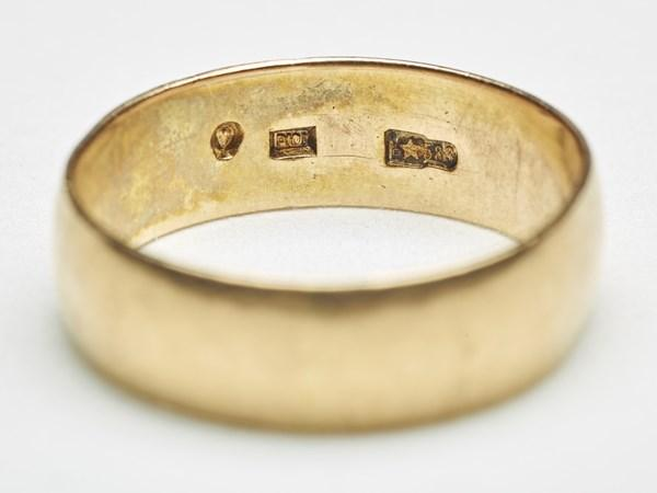 Lee Harvey Oswald bought the ring in 1961.