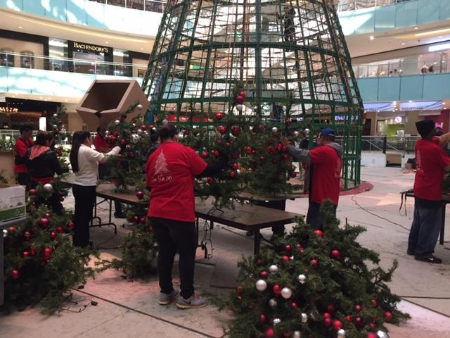 Workers assembled the 2015 tree.