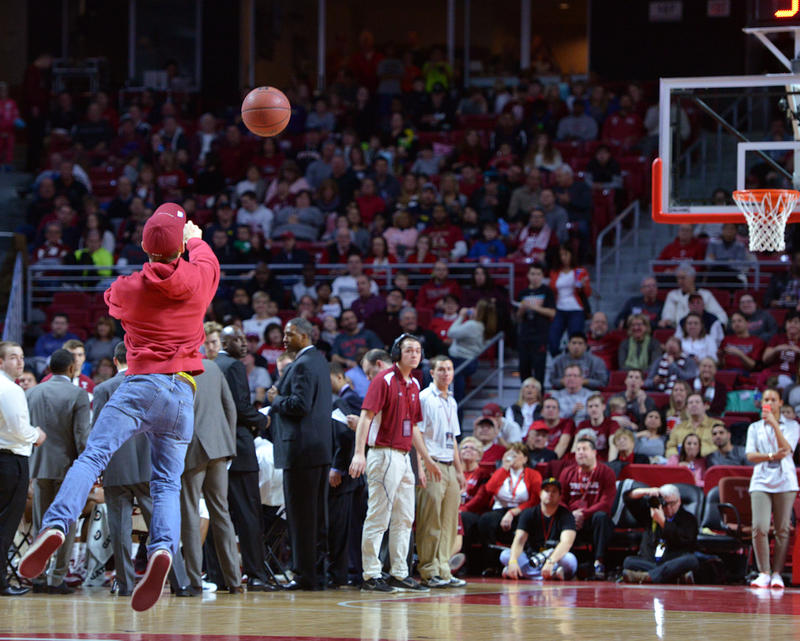 Hamman estimates 25-to-1 that a random fan will make a half-court shot.