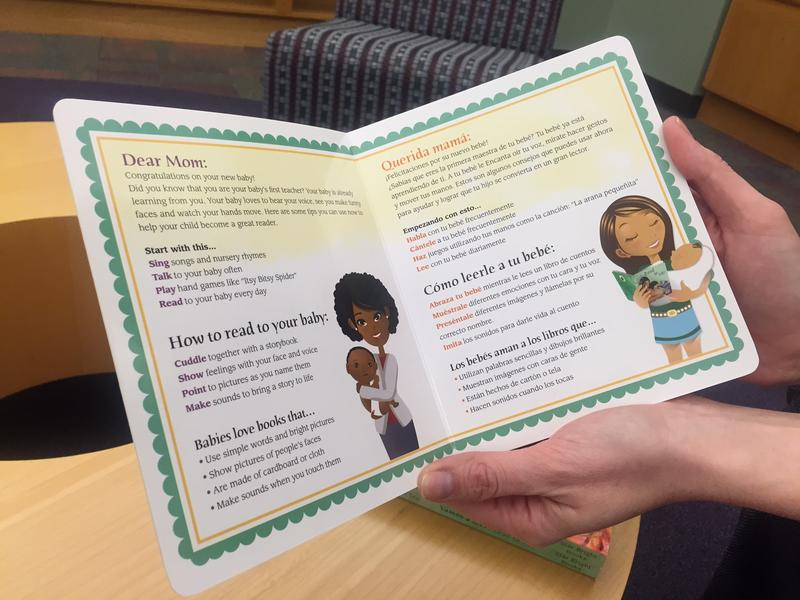 The bilingual book gives moms instructions on how to read to her child and features illustrations of parents and children of different ethnic groups.