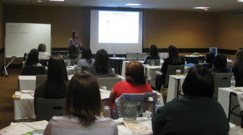 Roxanne Thompson teaches educators the fine points on cursive writing instruction.