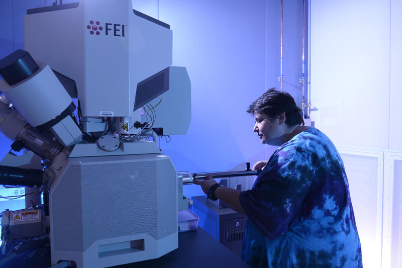 One of the new devices at UT Southwestern is the Scios DualBeam, an ultra-high-resolution device that can analyze a broad range of samples, including cells and organisms.