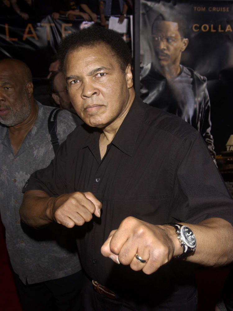 """Ali at world premiere of the movie """"Collateral,"""" Los Angeles, CA, August 2, 2004"""