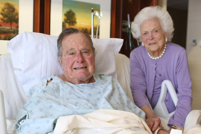 Former President George H.W. Bush and wife Barbara Bush in Houston Methodist Hospital in Jannuary 2017.