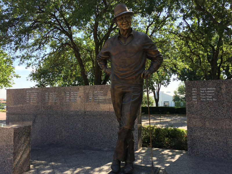 The statue of Byron Nelson at the TPC Four Seasons Las Colinas.