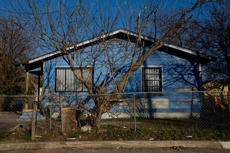 A house on Chicago Street in West Dallas. It's one of several hundred owned by HMK. Ltd. that no longer meet the city's housing code.