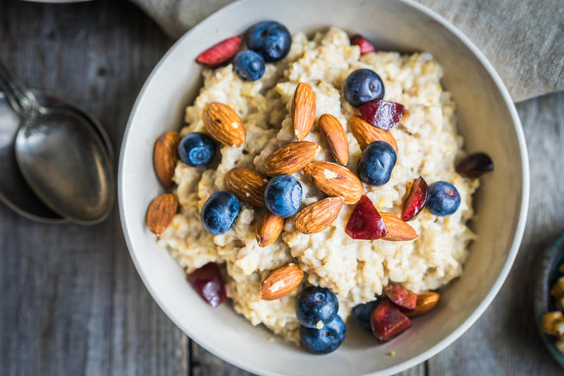 Oatmeal is one form of complex carbohydrates needed for a good breakfast.