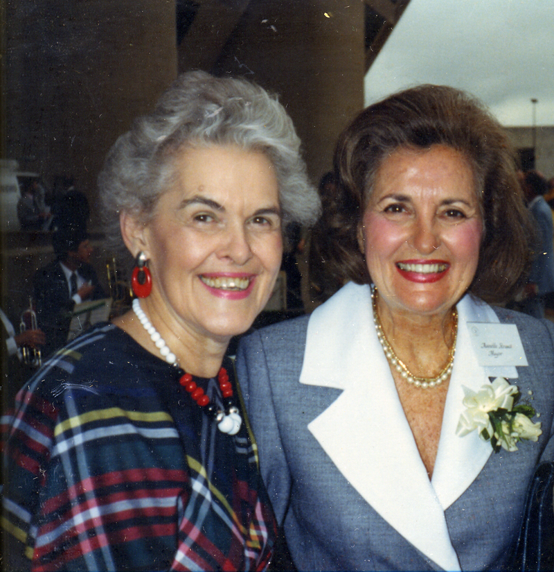 Castleberry with then-Dallas Mayor Annette Strauss.