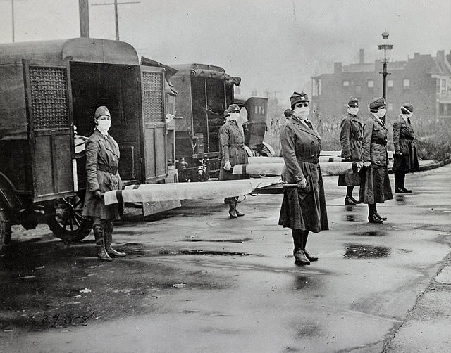 Members of the St. Louis (Missouri) Red Cross Motor Corps on duty during the global influenza pandemic, October 1918
