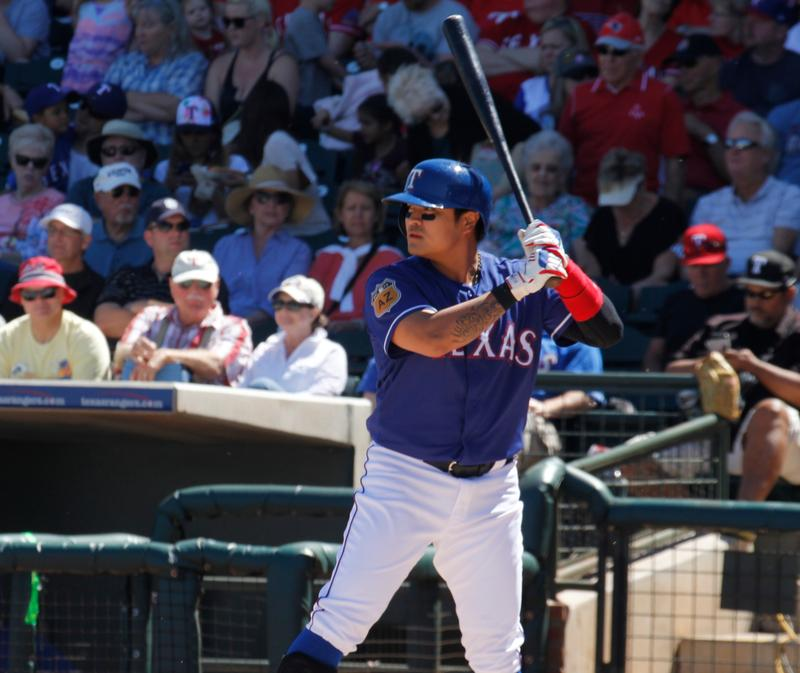 Texas Rangers outfielder Shin-Soo Choo on Sunday hit an infield single to extend his consecutive on-base streak to 47 games.