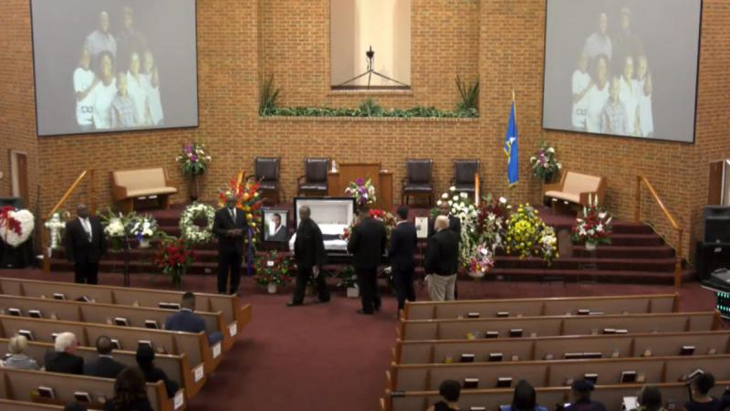 Mourners lined up before the funeral of Botham Jean at a Richardson church.