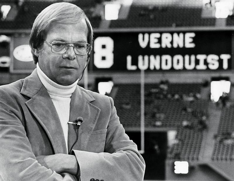Verne Lundquist during a live shot for WFAA-TV in Texas Stadium on August 1982.