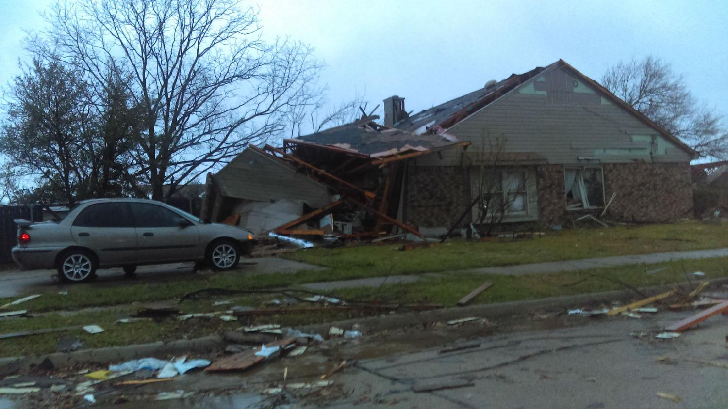 The Scene From Rowlett Sunday Morning After A Tornado Hit Town Northeast Of Dallas