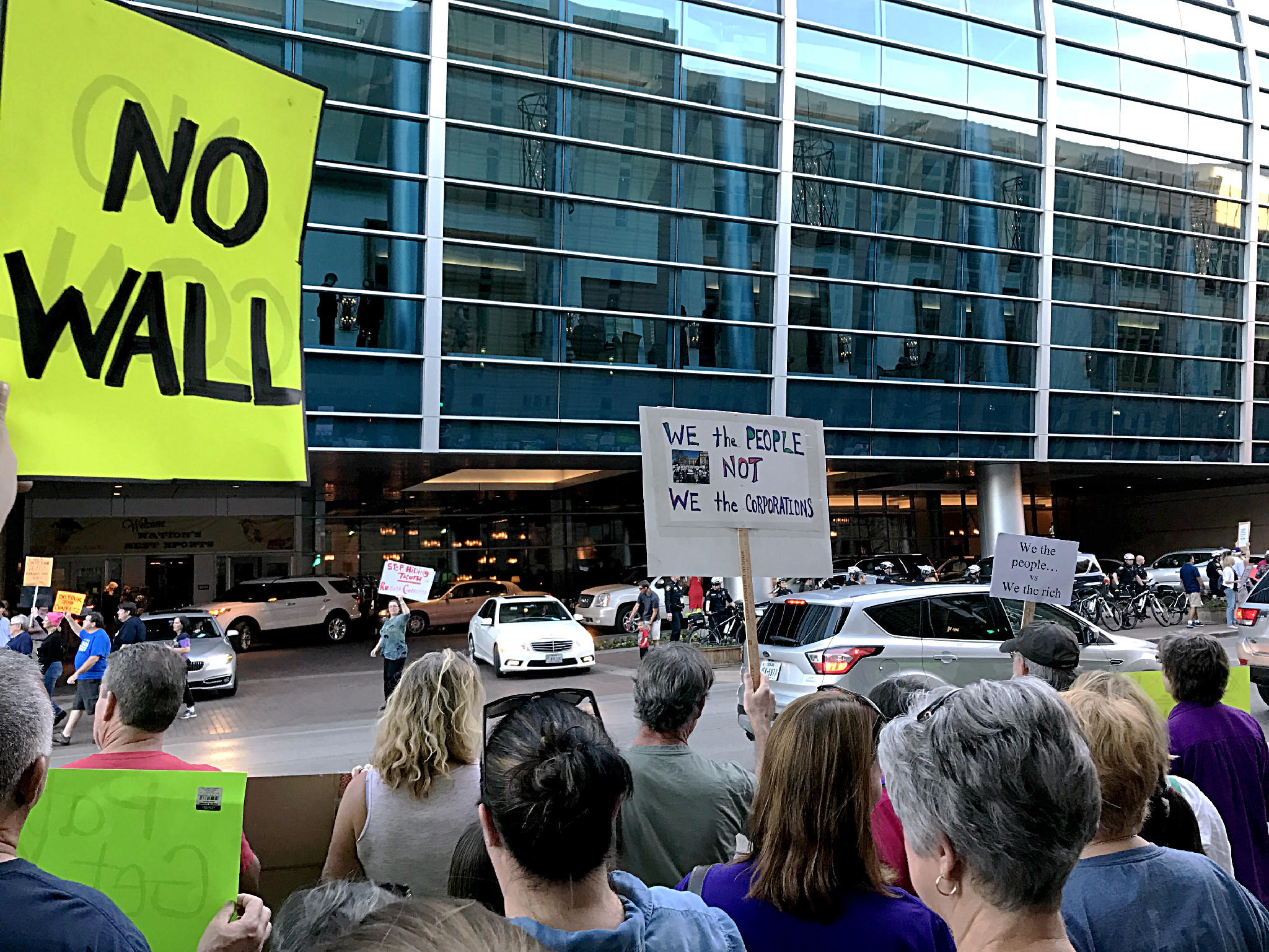 protests greet gop donors in fort worth