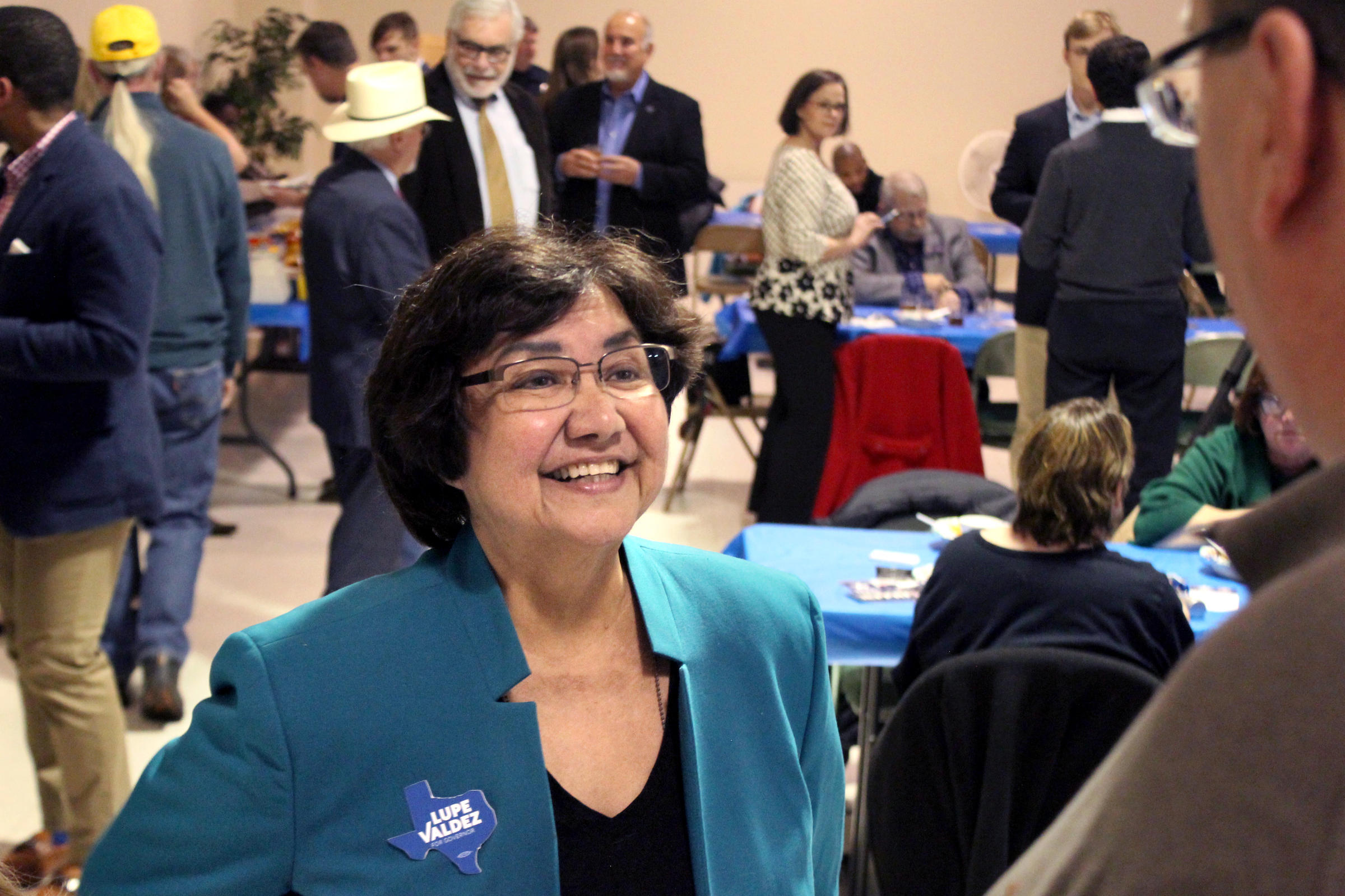 Valdez, White in runoff for Dem nomination for governor