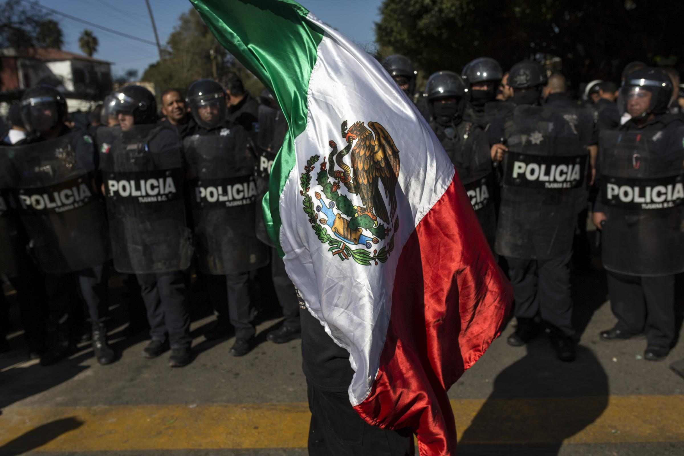 USA closes busiest Mexico border crossing for several hours