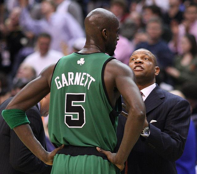 Doc Rivers talking to Kevin Garnett