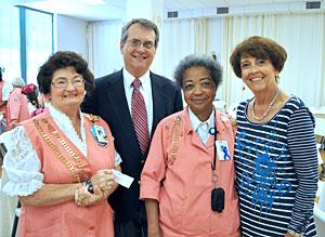 Hunt Regional Healthcare CEO Richard Carter, second from left, at a recent awards presentation. Pictured are, left to right, volunteer Alice Parsons, Carter, volunteer Joyce Johnson, volunteer coordinator Jeanye Roberts.