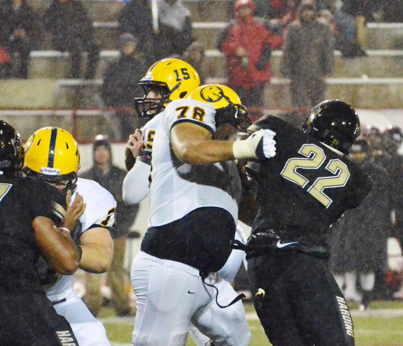Jordan Decorte blocks a defensive lineman.