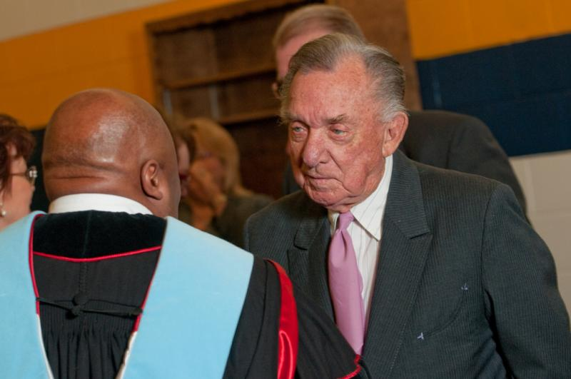 Ray Price during his 2009 visit to Commerce.